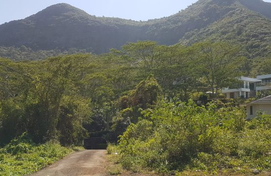 Residential land in heights of Moka